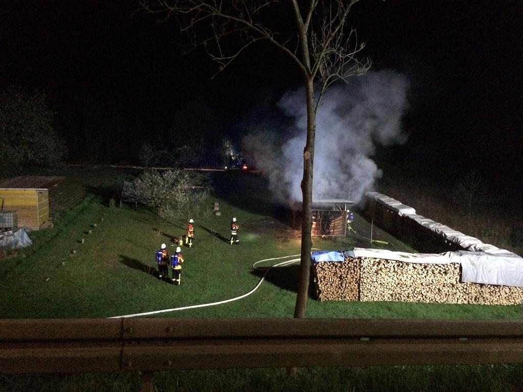 EB13-2015 Brand eines Holzlagers in Rheinweiler