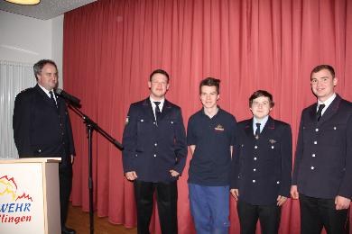 Kommandant Maier übernahm folgende vier Kameraden in die aktive Feuerwehr. Eduard Merkel Janik Hugenschmidt Daniel Schlosser Alexander Kindlieb